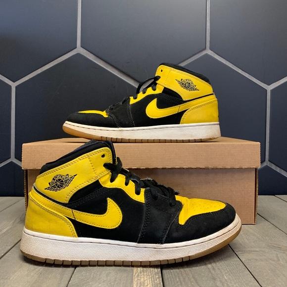 2017 Air Jordan 1 Mid New Love Black Yellow Shoe